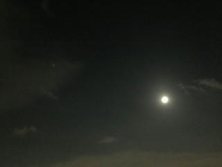 夜空にぽっかり
